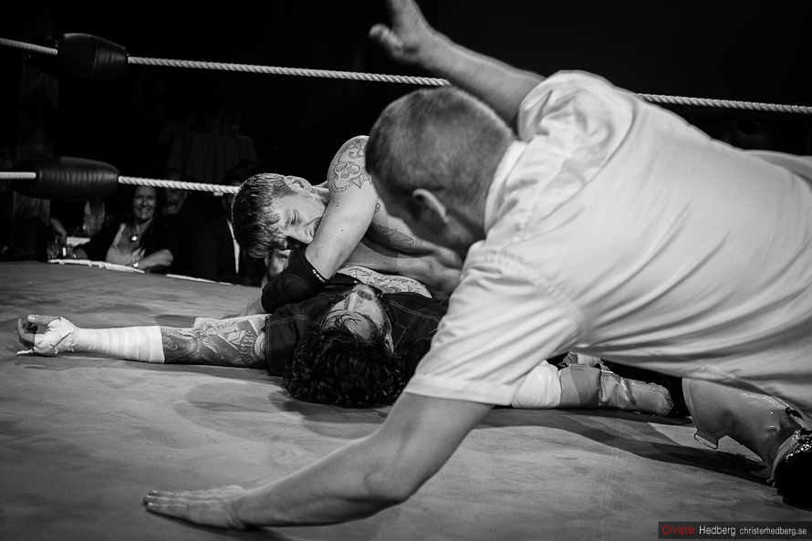 GBG Wrestling: Conny Mejsel vs. Doppelgangster. Photo: Christer Hedberg | christerhedberg.se